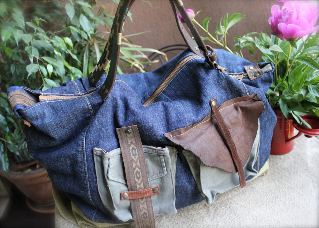 Borsa fatta a mano in denim e pelle